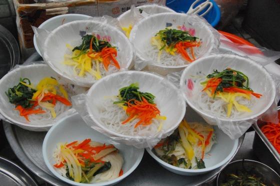 Street food in bowls